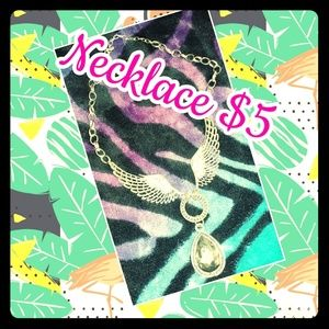 Accessories - Cute Wing Necklace with pendant.